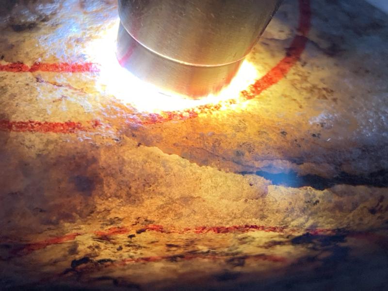 #免费切石解石加工手镯#【名称】1.5公斤木那手镯料。 【重量】1.5公斤【尺寸】 130*90*6