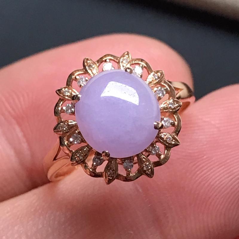 18k伴钻镶嵌,紫罗兰蛋面戒指,玉质莹润,饱满大气,款式简约百搭,佩戴优雅,戒圈14#