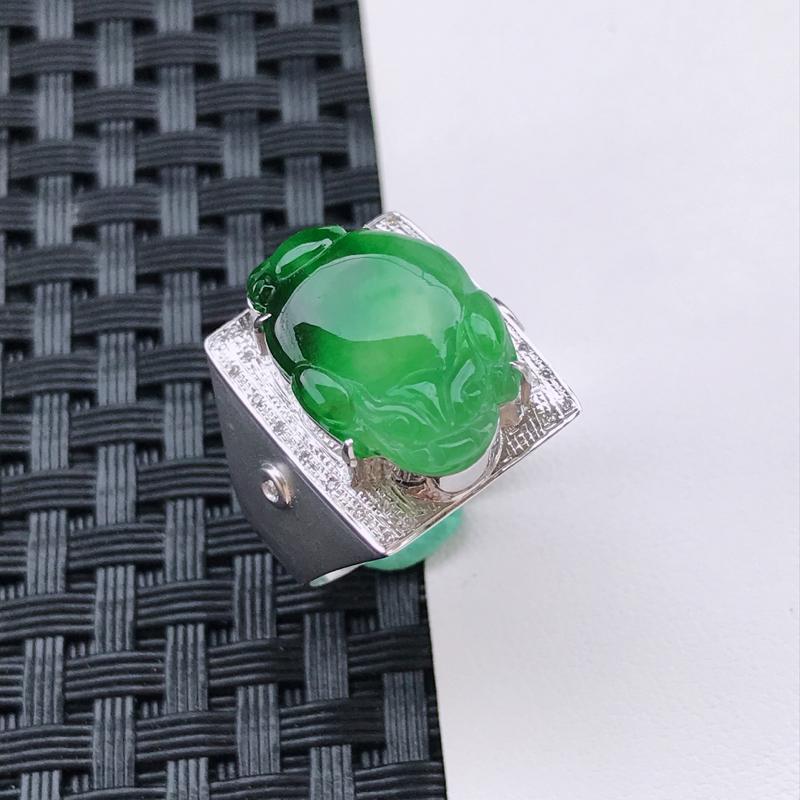 天然翡翠A货18K金镶嵌伴钻冰糯种飘绿貔貅戒指,内径17.9mm,裸石尺寸17.3-12.4-3mm