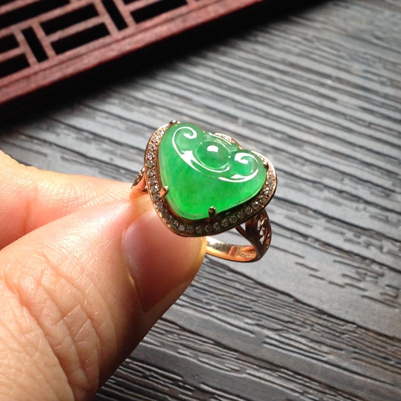 冰绿如意戒指,裸石10.5*14*4.5 戒圈13 18k金钻镶嵌 老坑种水,晶莹透亮,水润光泽,色