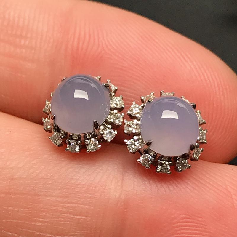 18k伴钻镶嵌,紫罗兰耳钉,玉质细腻,水润光泽,款式精美,佩戴韵味十足,整体尺寸9*9.1*7.2