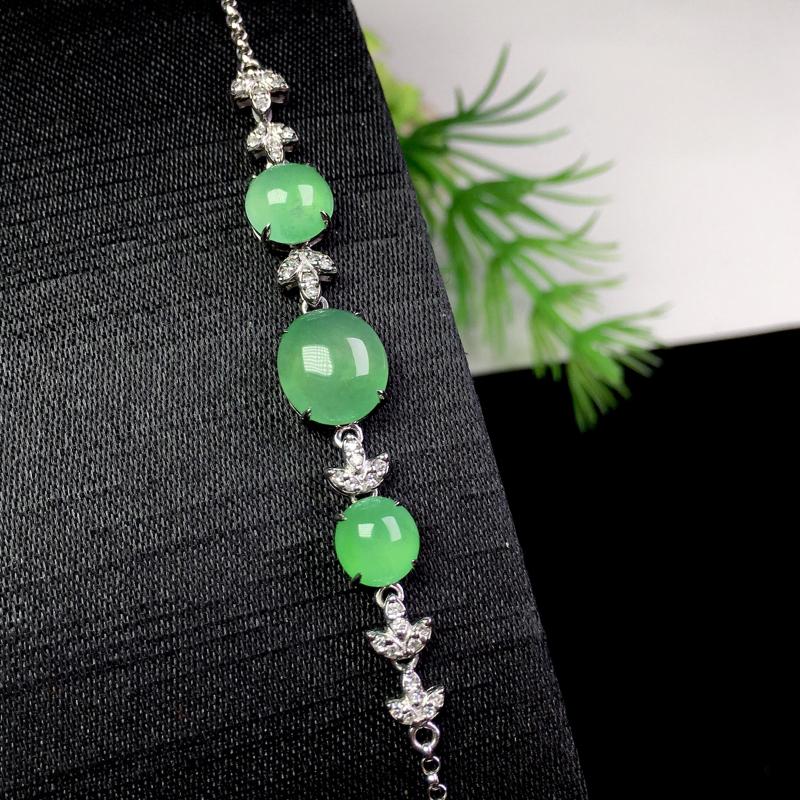 冰晴绿手链,冰透色艳,饱满细腻,裸石:9*8*3.2 整体:54*8*5.3 (18k金配天然钻石