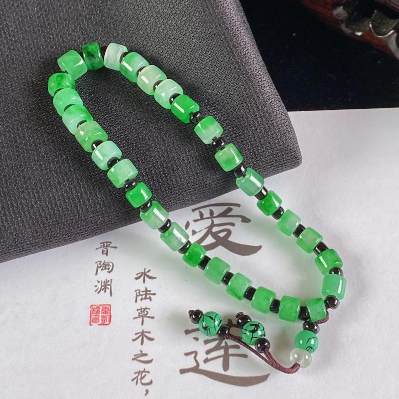 A货翡翠-种好飘绿路路通手链,尺寸-5.6*3.9mm