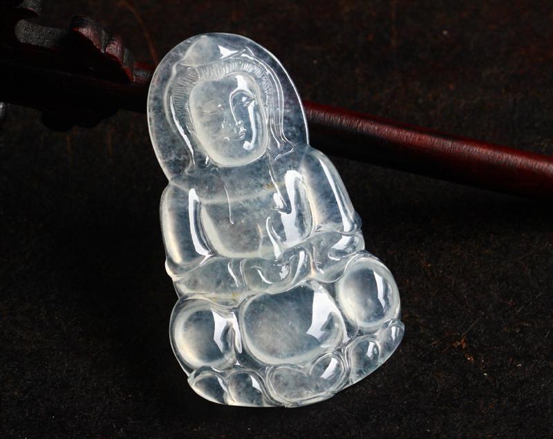 冰种荧光正装观音,种老,起荧光,雕工精细,线条流畅,尺寸:51.8-31.2-4.6