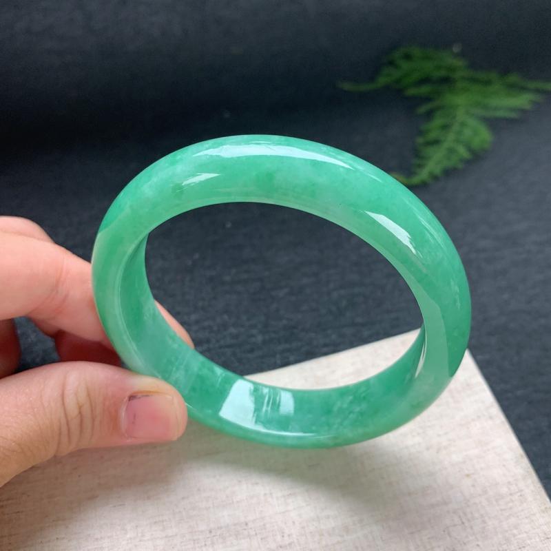 正圈58,天然翡翠手镯,正圈玉手镯,满绿色,玉质润,品相清爽优雅,尺寸圈口58.2/14.5/8,0