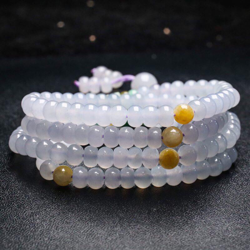 三彩翡翠珠链。共164颗珠子,取其中一颗珠尺寸大约6.5*4.8mm,珠子实物漂亮,色泽清新淡雅,