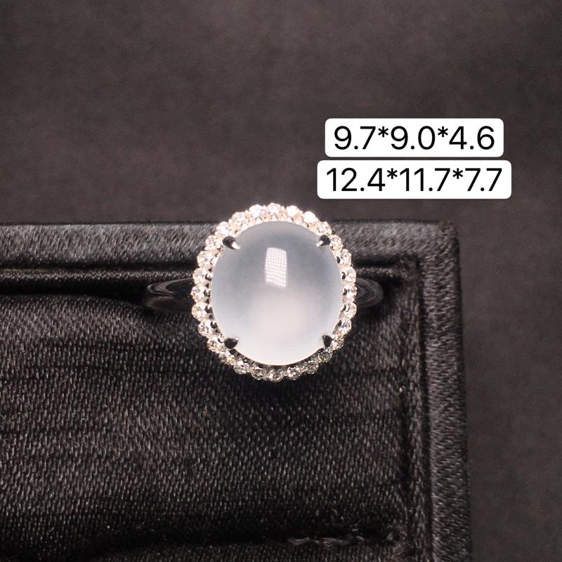 蛋面戒指,18K金镶嵌,无纹无裂,玉质细腻,质量杠杠的,性价比超高**