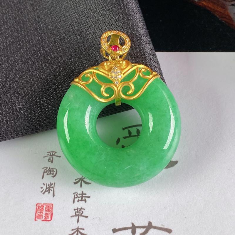 A货翡翠-种好满绿18K金伴钻平安环吊坠,尺寸-裸石31.3*10.1mm整体40.5*31.3*1