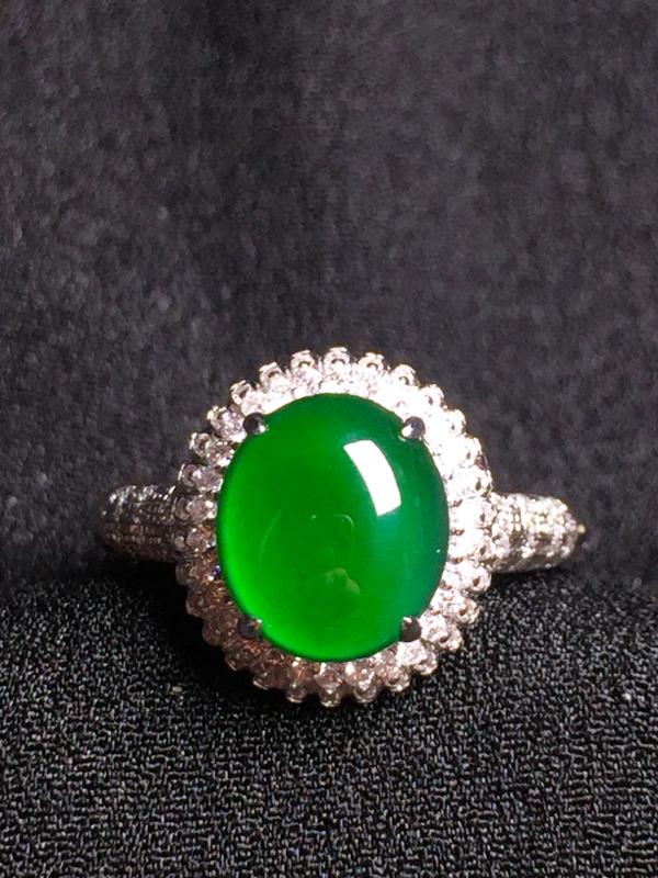 满绿蛋面戒指,18k金钻石镶嵌,种水超好,玉质细腻**