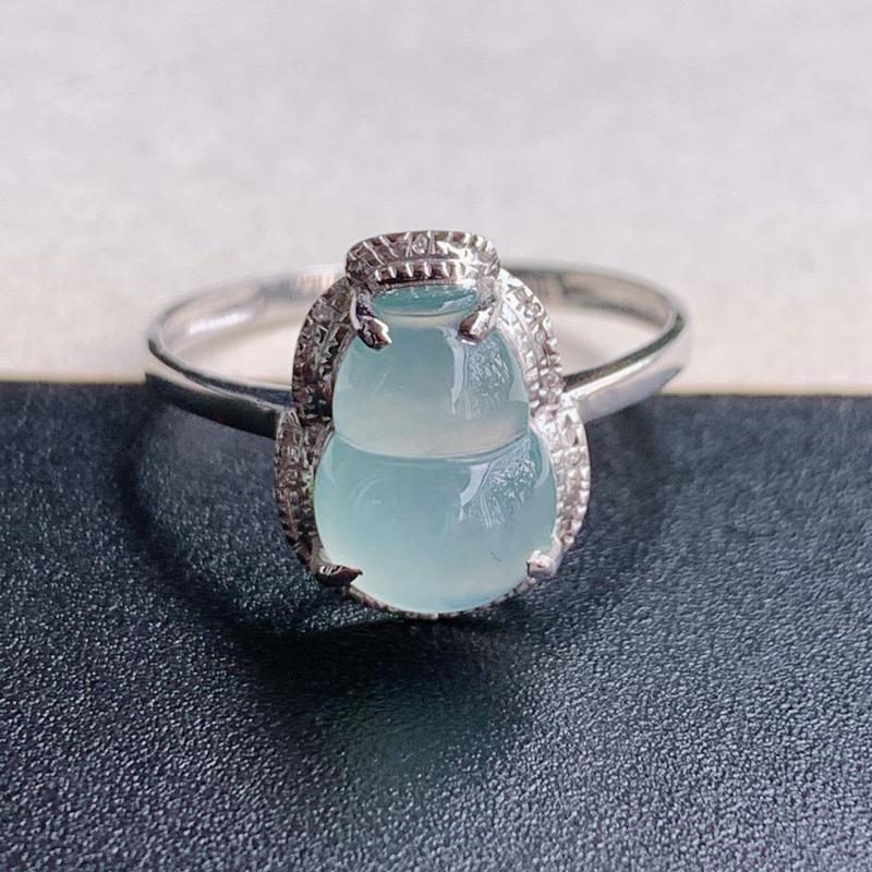 冰葫芦戒指、尺寸:内径17.3mm裸石10/7.2/3.4mm含金12.6/18.6/24.4mm,