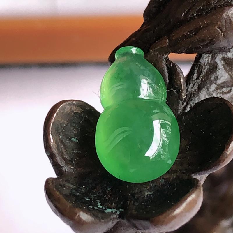 天然a货翡翠满绿葫芦裸石(镶嵌件)戒面,玉质细腻,种水足