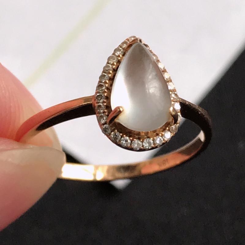 C1010翡翠A货种水好18K金伴钻水滴戒指,包金尺寸10.5*7.3*7.2mm,裸石尺寸8.5*