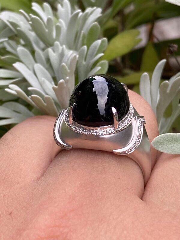墨翠【蛋面戒指】18K金+南非钻镶嵌,细腻干净,黑度好,性价比高,做工精致,打灯透绿 整体尺寸:14.6*12.4*11.8