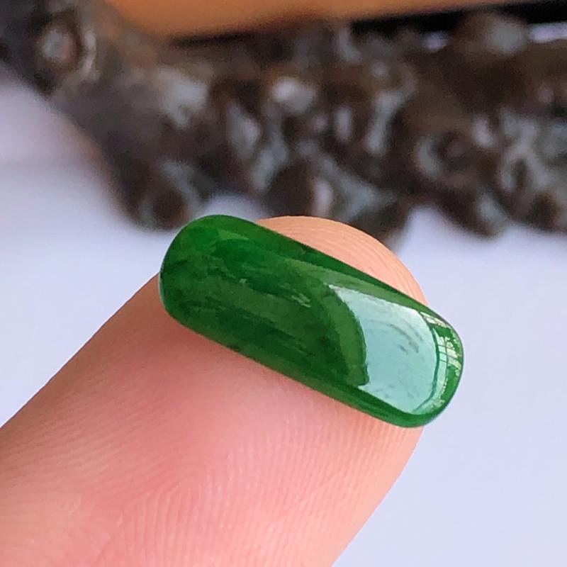 天然a货翡翠满绿马鞍裸石(镶嵌件)戒面,玉质细腻,水润