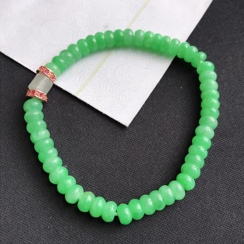 mb203翡翠A货满绿算盘手链,尺寸5.5*3mm,扣头是装饰品