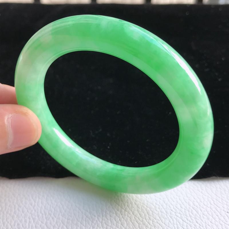 圈口56.3mm 满绿圆条手镯  A130玉质细腻  底子清爽 韵味十足 尺寸56.3*10.7*1