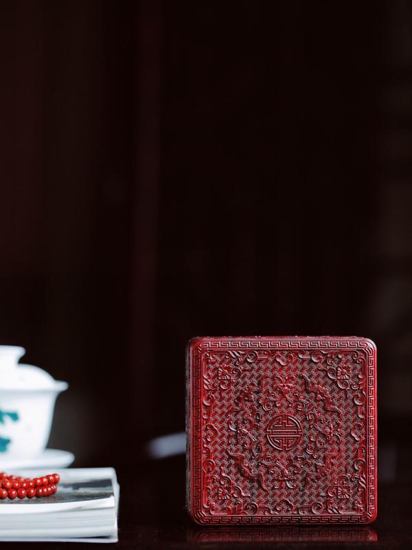 小叶紫檀「万寿无疆」四方首饰盒 10.8*10.8*4.5cm   盒身雕西番莲缠枝纹、万字回纹、龟