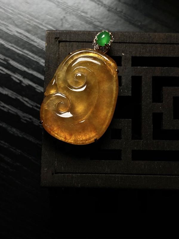 玻璃种黄翡吉祥如意 老坑起胶 自然光实拍 含金尺寸:32.3*19.1*5.7