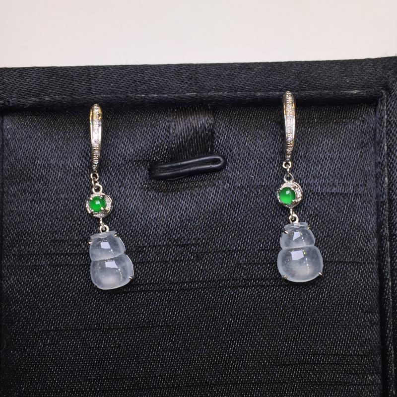 一对冰种葫芦耳坠,底庄细腻,无纹裂,18K金南非真钻镶嵌,性价比高,推荐,尺寸30.8*7*4.7/