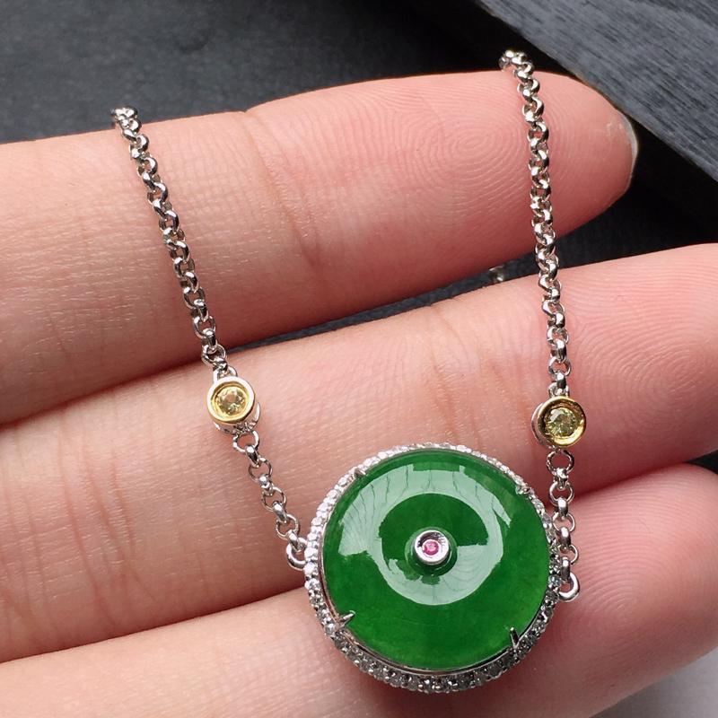 缅甸翡翠18K金伴钻镶嵌满绿平安扣手链,玉质细腻,雕工精美,佩戴送礼佳品,包金尺寸: 17.1*14