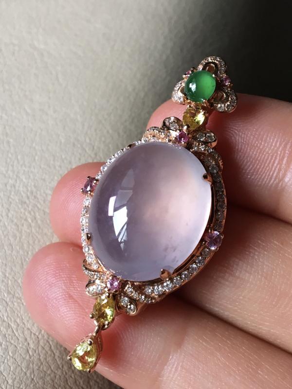 淡粉紫吊坠,无裂,水头足,水润冰透,裸石16.3/13.5/8整体40.6mm