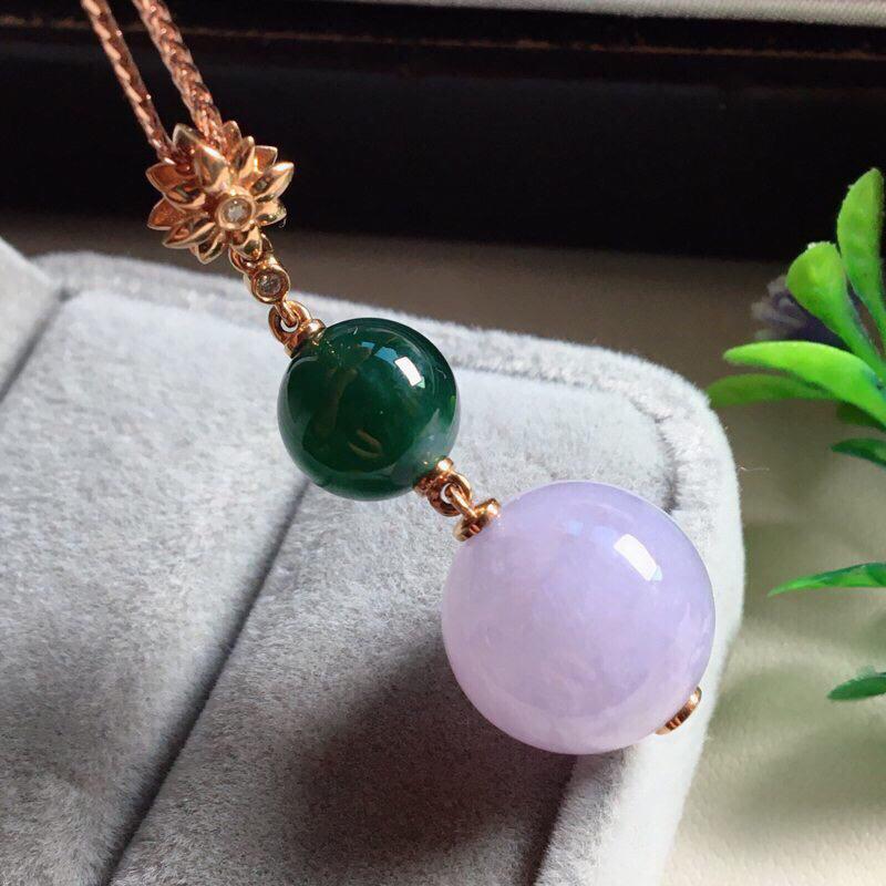 【红翡绿翠紫为贵,好漂亮的淡粉紫圆珠项坠,时来运转,财源滚滚,18K金伴钻镶嵌,尺寸41.9*14.2*9.6mm,耐看,送礼或自留佳选,值得拥有】图9