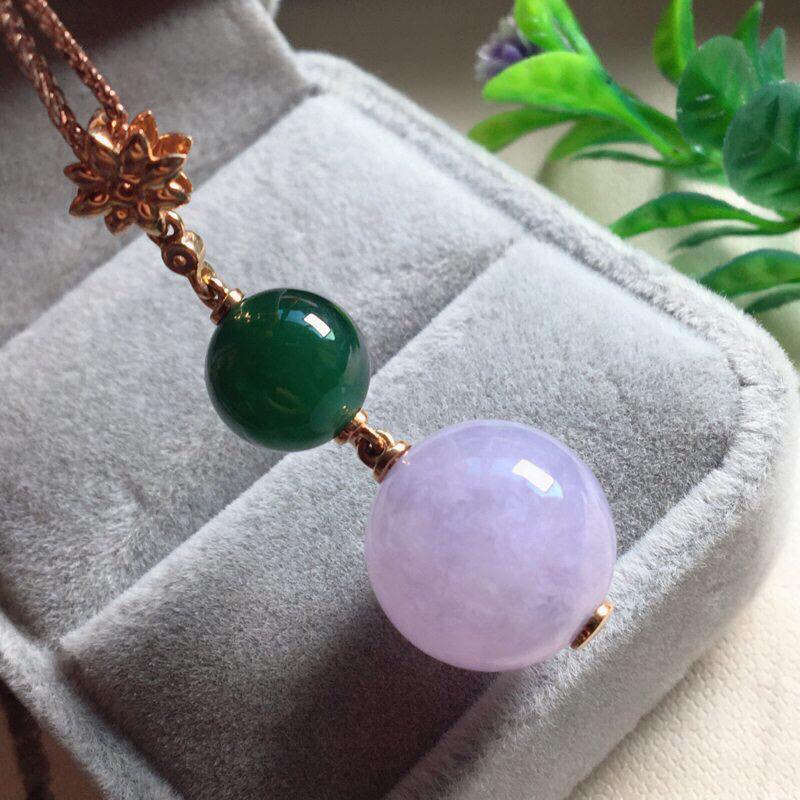 【红翡绿翠紫为贵,好漂亮的淡粉紫圆珠项坠,时来运转,财源滚滚,18K金伴钻镶嵌,尺寸41.9*14.2*9.6mm,耐看,送礼或自留佳选,值得拥有】图6