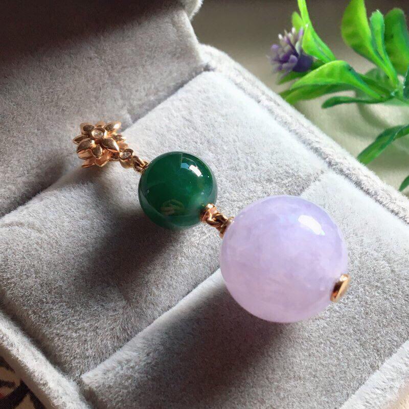 【红翡绿翠紫为贵,好漂亮的淡粉紫圆珠项坠,时来运转,财源滚滚,18K金伴钻镶嵌,尺寸41.9*14.2*9.6mm,耐看,送礼或自留佳选,值得拥有】图2
