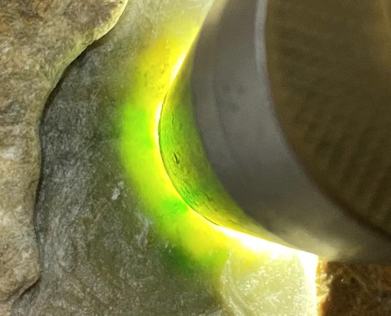 &#矿区新货来袭#  【名称】0.8公斤达马坎开窗黄加绿       【重量】0.8公斤
