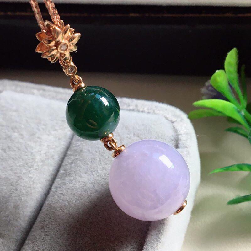 【红翡绿翠紫为贵,好漂亮的淡粉紫圆珠项坠,时来运转,财源滚滚,18K金伴钻镶嵌,尺寸41.9*14.2*9.6mm,耐看,送礼或自留佳选,值得拥有】图8