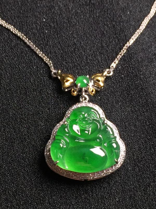 阳绿佛公锁骨链,18k真金真钻镶嵌,种水超好,玉质细腻**