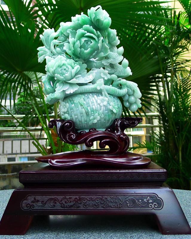 缅甸天然翡翠A货 精美满绿 喜上眉梢 花开富贵 多子多福 好事连连 花蓝摆件 雕刻精美线条流畅 种水