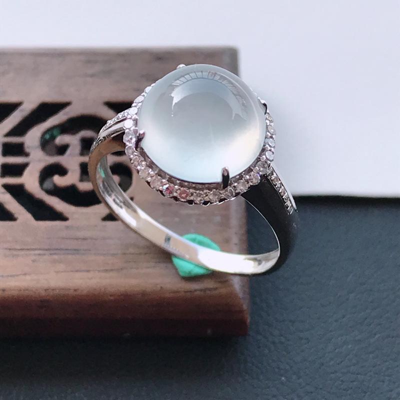 天然翡翠A货18K金镶嵌伴钻冰糯种白冰精美蛋面戒指,内径尺寸18mm,裸石尺寸9.8-5mm,玉质细