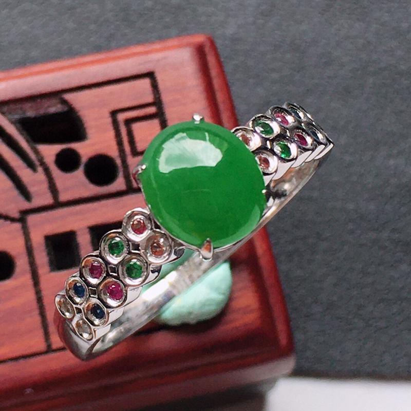 缅甸翡翠18圈口18k金伴钻满绿蛋面戒指,自然光实拍,玉质莹润,佩戴佳品,内径:18.1mm(可免费