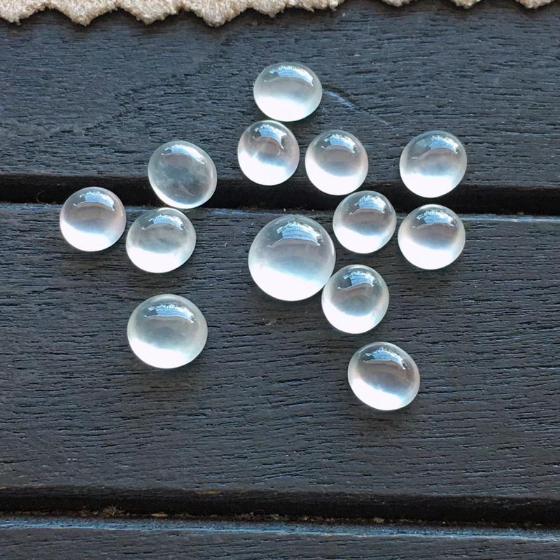 蛋面,自然光实拍,缅甸a货翡翠,玻璃种蛋面13颗,种好通透,起荧光,晶莹剔透,纯净无暇,品质高档,大