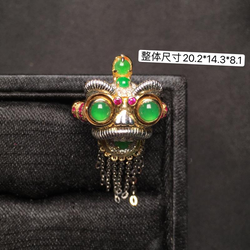 翡翠🦁️戒指,18K金镶嵌,无纹无裂,玉质细腻,质量杠杠的,性价比超高。