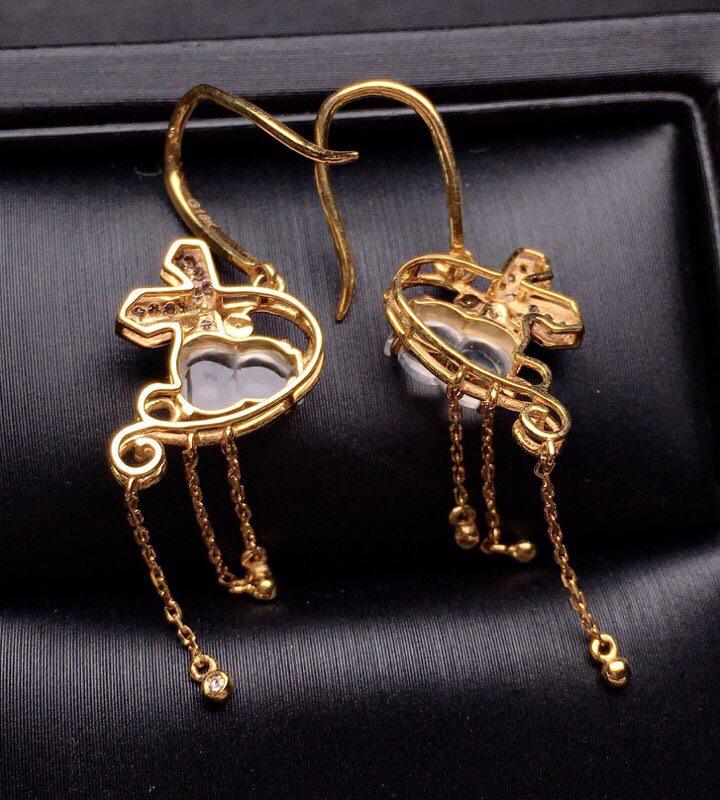 18K金钻镶嵌冰种葫芦耳坠 冰透起光 质地细腻 款式新颖时尚唯美 整体尺寸26.6*12.1*5.1裸石7*4.8*2