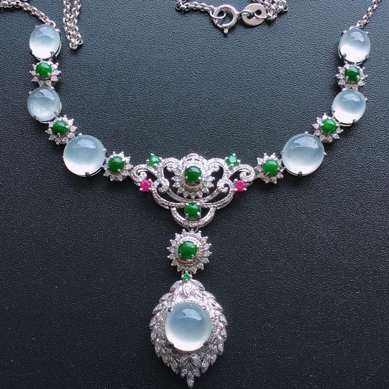 18k金伴钻镶嵌项链,种好通透,水润玉质细腻,工艺佳,饱满品相佳,可直接佩戴。包金尺寸:78*30*