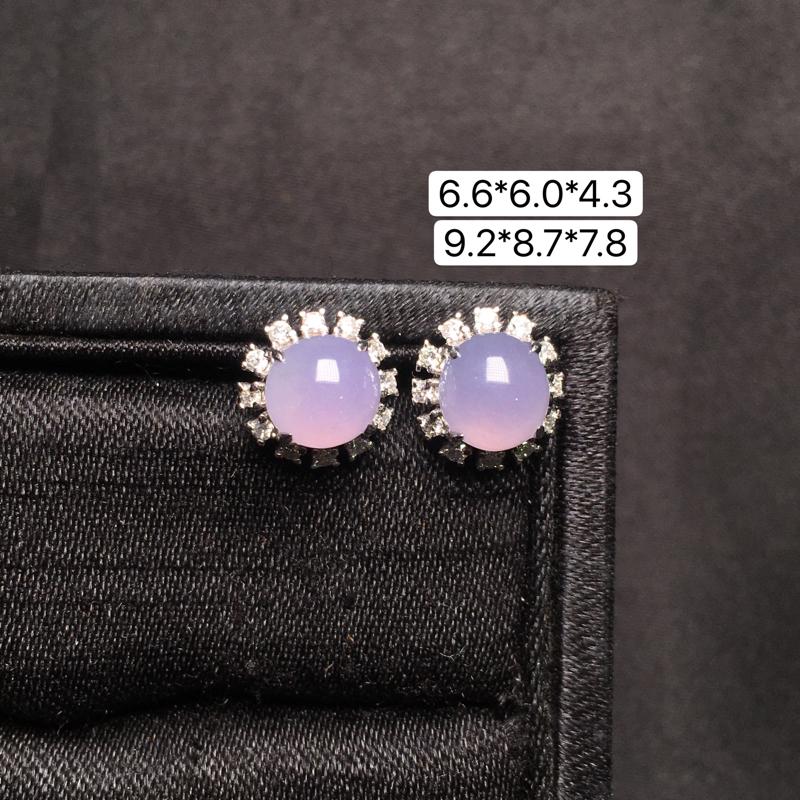 紫罗兰蛋面耳钉,18K金镶嵌,无纹无裂,玉质细腻,质量杠杠的,性价比超高。