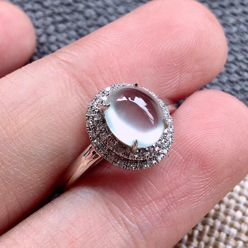 诚意推荐👍👍👍(自然光拍摄,纯美玻璃种女戒指)老坑纯正玻璃种翡翠大蛋面女戒指,18k金豪华镶嵌而成,