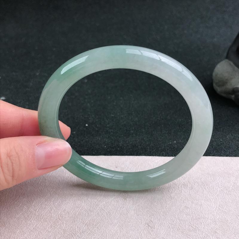 【满色圆条手镯54圈品相清爽优雅,佩戴效果更佳。尺寸:54.1/8.4/8mm】图2