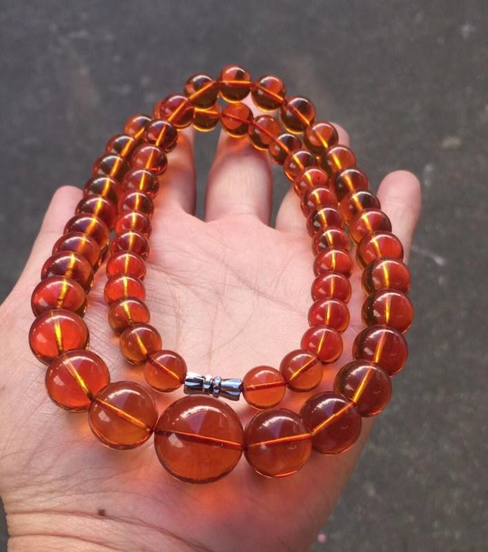天然缅甸琥珀,精品红血茶项链,️杂裂冰,颜色红润光泽,珠子晶莹剔透,孔道垂直,品质好,佩戴优雅精致