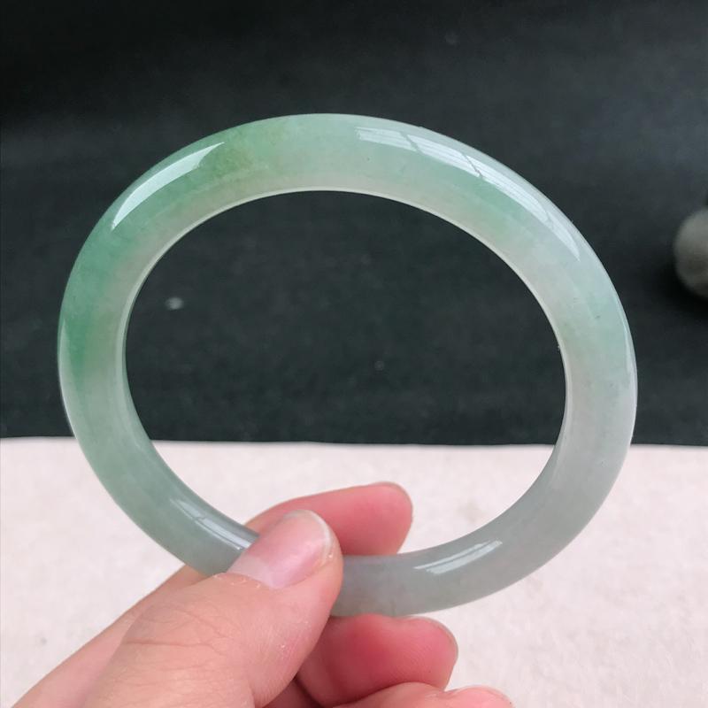 【满色圆条手镯54圈品相清爽优雅,佩戴效果更佳。尺寸:54.1/8.4/8mm】图5