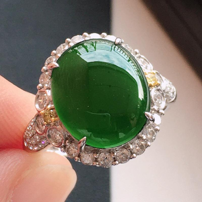 精品翡翠18k镶嵌伴钻戒指,玉质莹润,佩戴效果更美,尺寸:内径尺寸:17MM,裸石尺寸:12.3*1