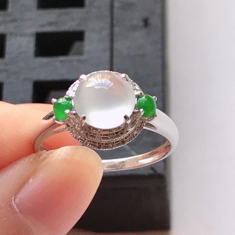翡翠a货,18K金伴钻冰种起光蛋面戒指 玉质细腻,种水好 上手高贵漂亮,尺寸内径16.9裸石7.2/