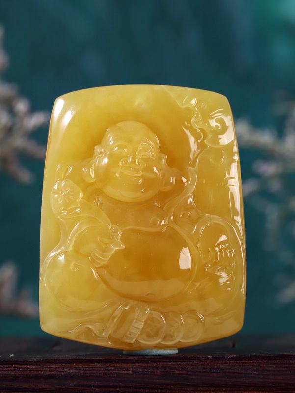 「精品鸡油黄蜜蜡弥勒佛」 蜡质极其黄润  醇厚质感  饱满无比  工艺精湛细腻  弥勒佛刻画生动祥和