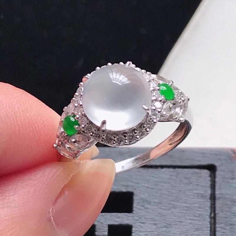 天然翡翠A货,18K金伴钻冰种水润起光蛋面戒指,玉质细腻,上手高贵上档次,尺寸内径16.6,裸石8.