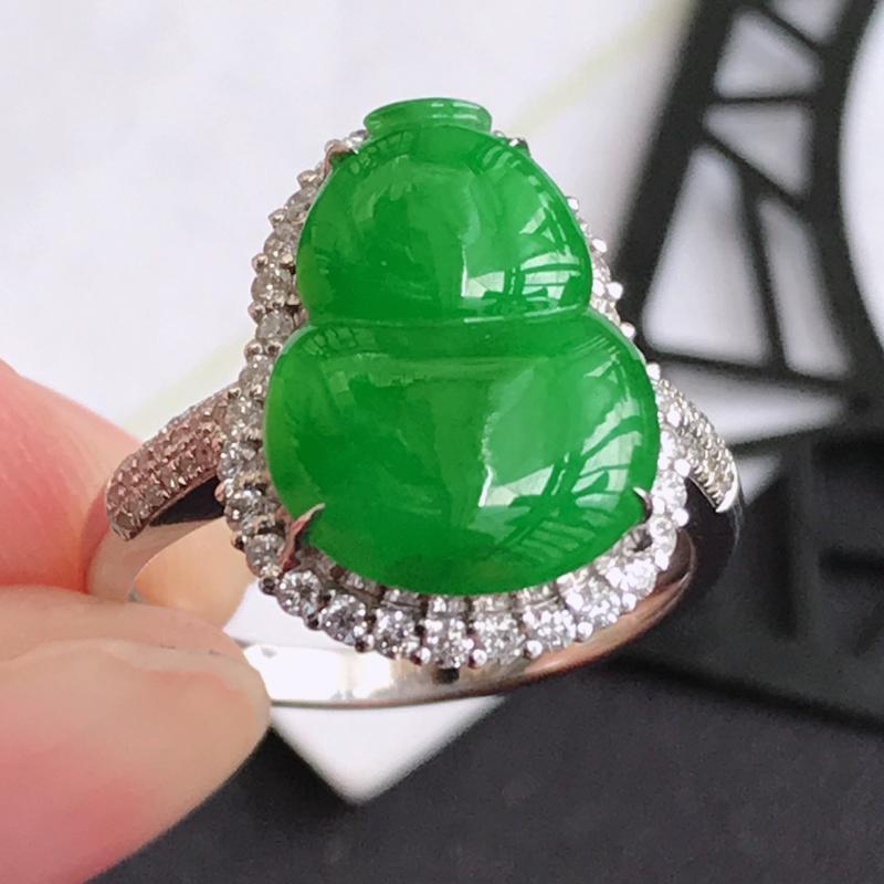 y翡翠A货满绿18K金伴钻招财葫芦戒指,包金尺寸16.7*12.7*7.2mm,裸石尺寸14.2*1