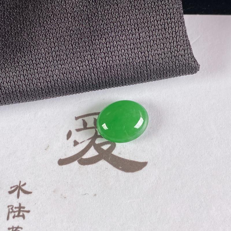 A货翡翠-种好满绿蛋面镶嵌件,尺寸-10.5*8.8*4.3mm