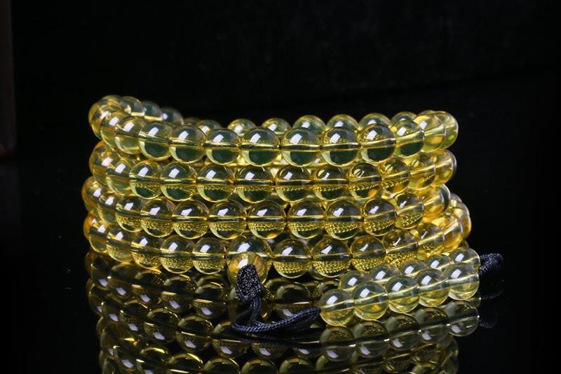 【琥珀蓝珀 3A净水 108佛珠】色泽亮丽,精挑纯净高蓝品质,佩戴精美绝伦,琥珀是历经千百万年的瑰宝